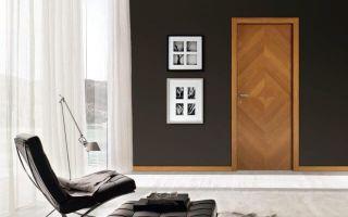 Как надежно обклеить дверь самоклеющейся пленкой?