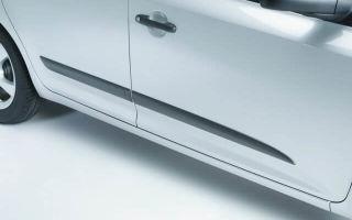 Чем и как правильно приклеить молдинг на дверь авто?