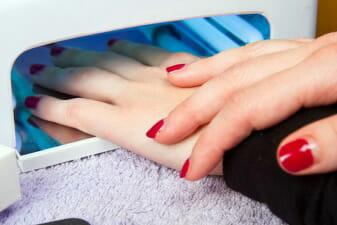 Как наклеить стразы на ногти в домашних условиях