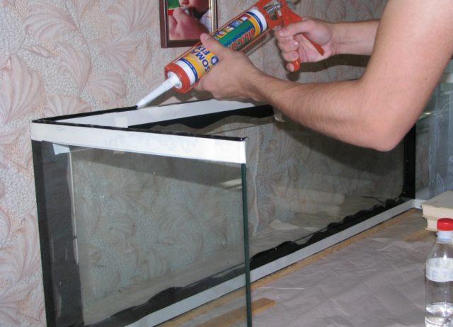 Склеиваем стекла
