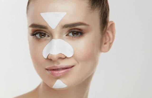 Зачем клеят пластырь на нос?