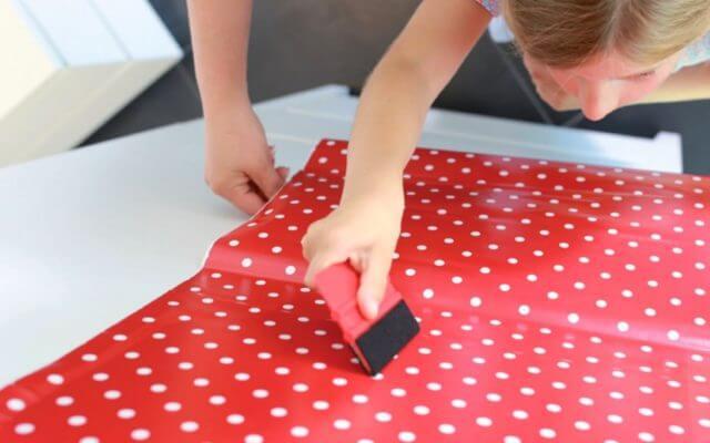 Как применятеся клейкая лента для мебели