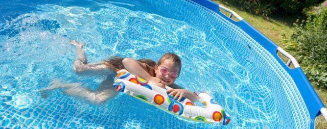 Как и чем можно заклеить бассейн?