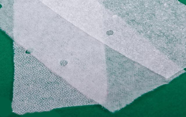Как правильно приклеить флизелин на ткань утюгом?