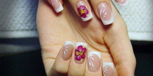 Наклеенные ногти