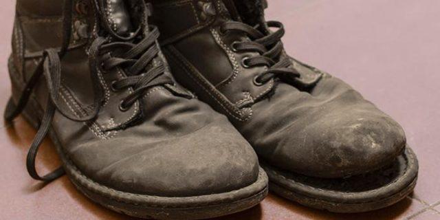 Какой клей лучше подойдет для склеивания обуви?