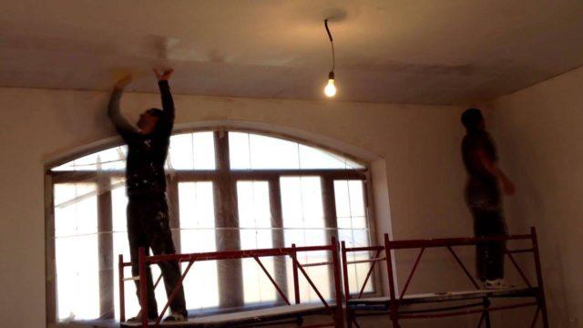 Стеклохост на потолке