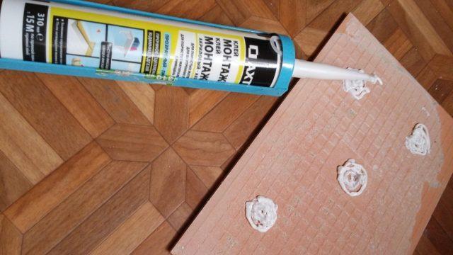 Как выбрать и использовать жидкие гвозди для плитки