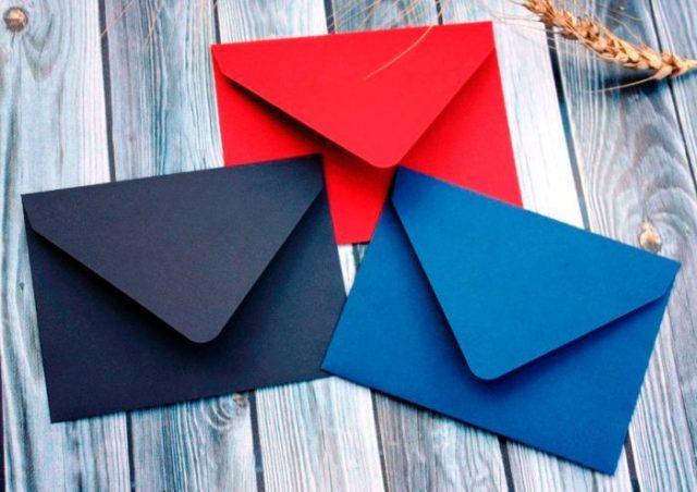 11-3-700x494 Как сделать конверт из А4: своими руками поэтапно, для письма без клея и ножниц, большой и маленький, фото и видео