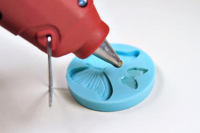 Как выбрать силиконовый клей для поделок
