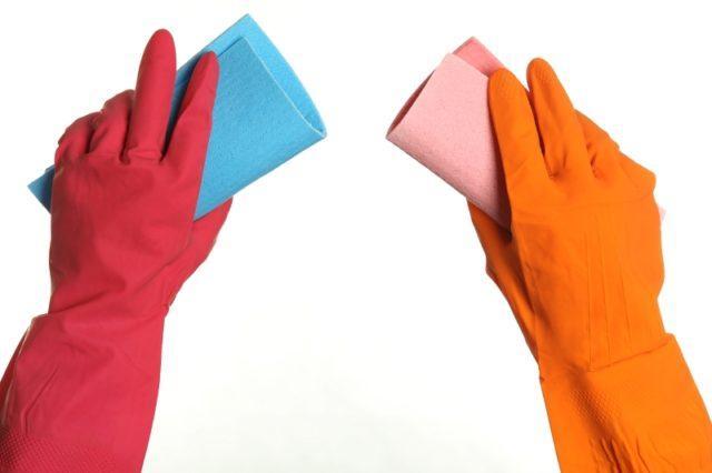 Действенные средства для отмывания пятен клея с обоев