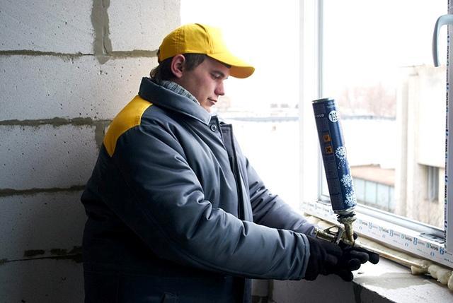 Особенности и применение зимней монтажной пены