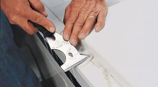 Чем удалять силиконовый и акриловый герметик с разных поверхностей