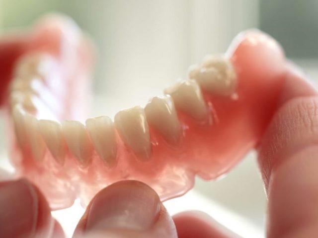 Крем Корега для фиксации зубных протезов – инструкция, как пользоваться средством