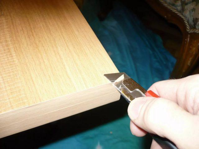 Как правильно приклеить кромку к столешнице в домашних условиях